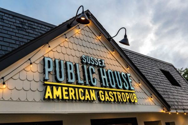 Restaurant and taphouse in rehoboth beach delaware