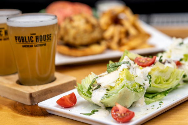 Dining restaurant in Rehoboth Beach Delaware with Taphouse and beer selection